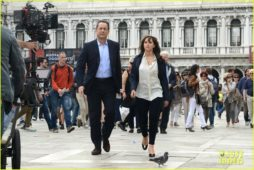 tom-hanks-felicity-jones-get-to-work-on-inferno-movie-07